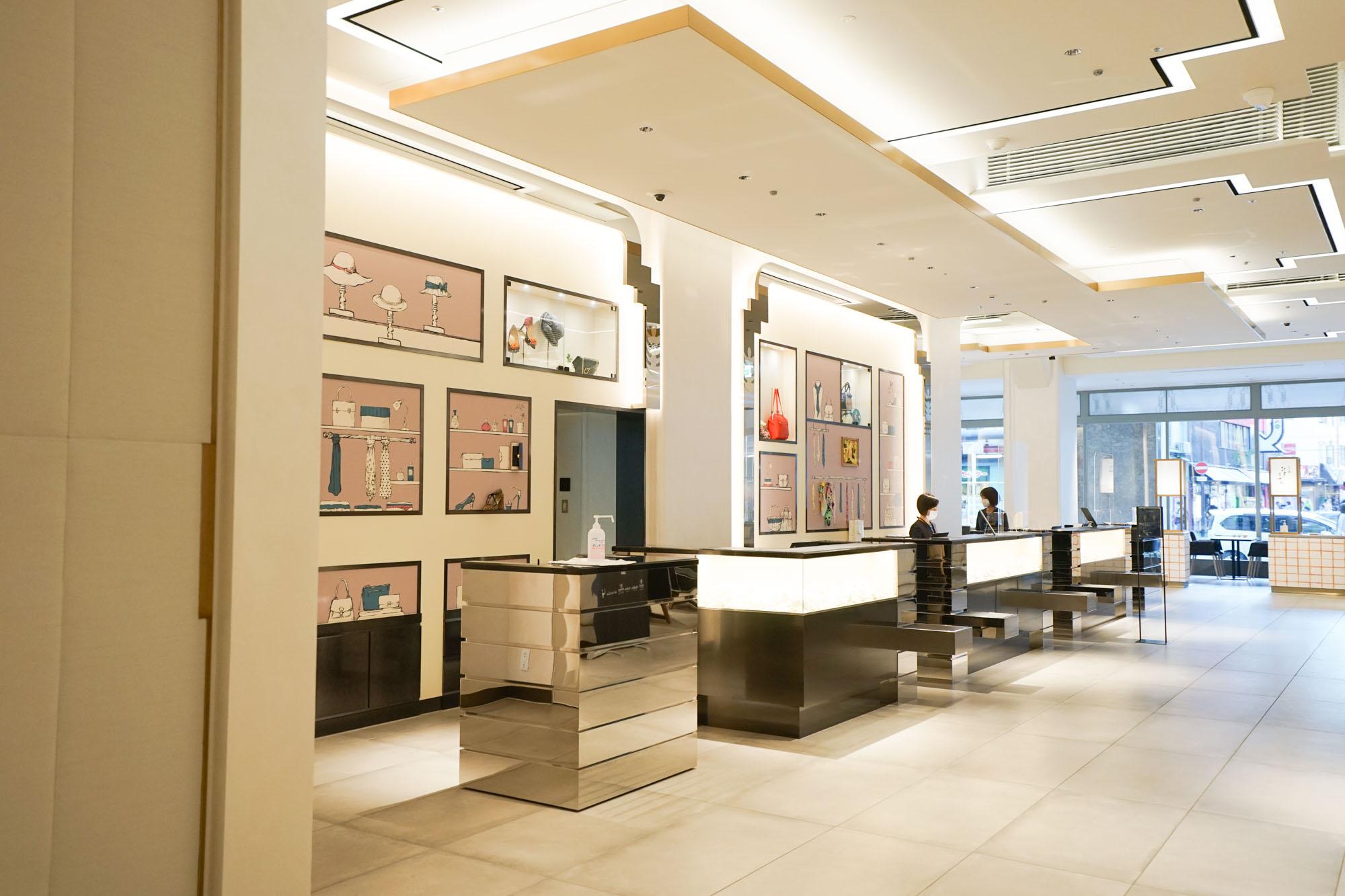 フロントロビーは、百貨店として営業していた頃の雰囲気を思わせるような仕掛けがたくさん施されています。