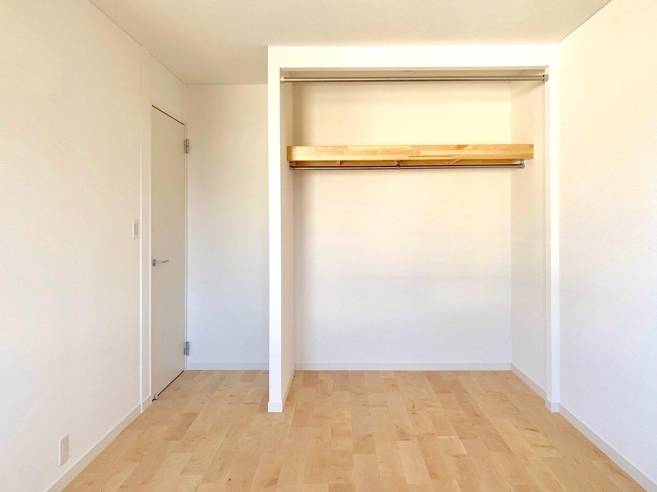 6畳以上の寝室が2つついて、ゆったりと暮らせるお部屋になっていますよ。