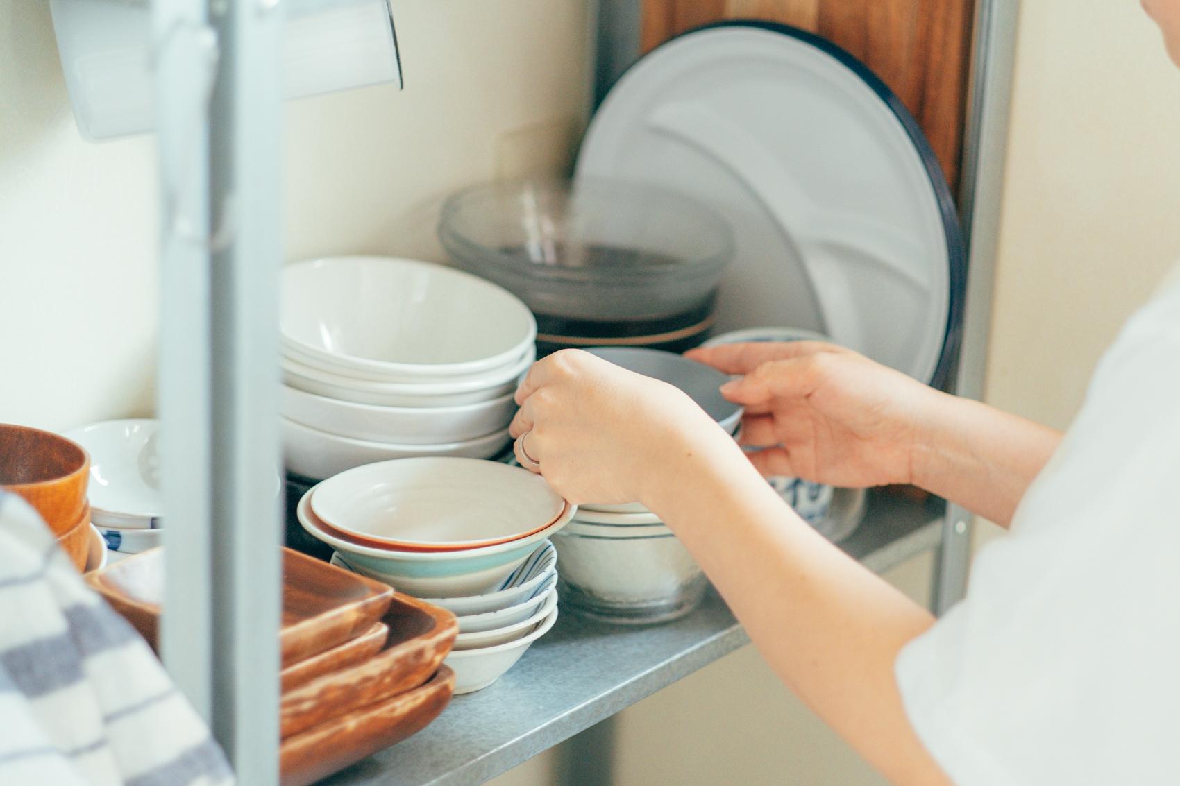 「キッチンは棚ではなくラック収納が良くてIKEAで購入しました。掃除もしやすくて良いですね。」