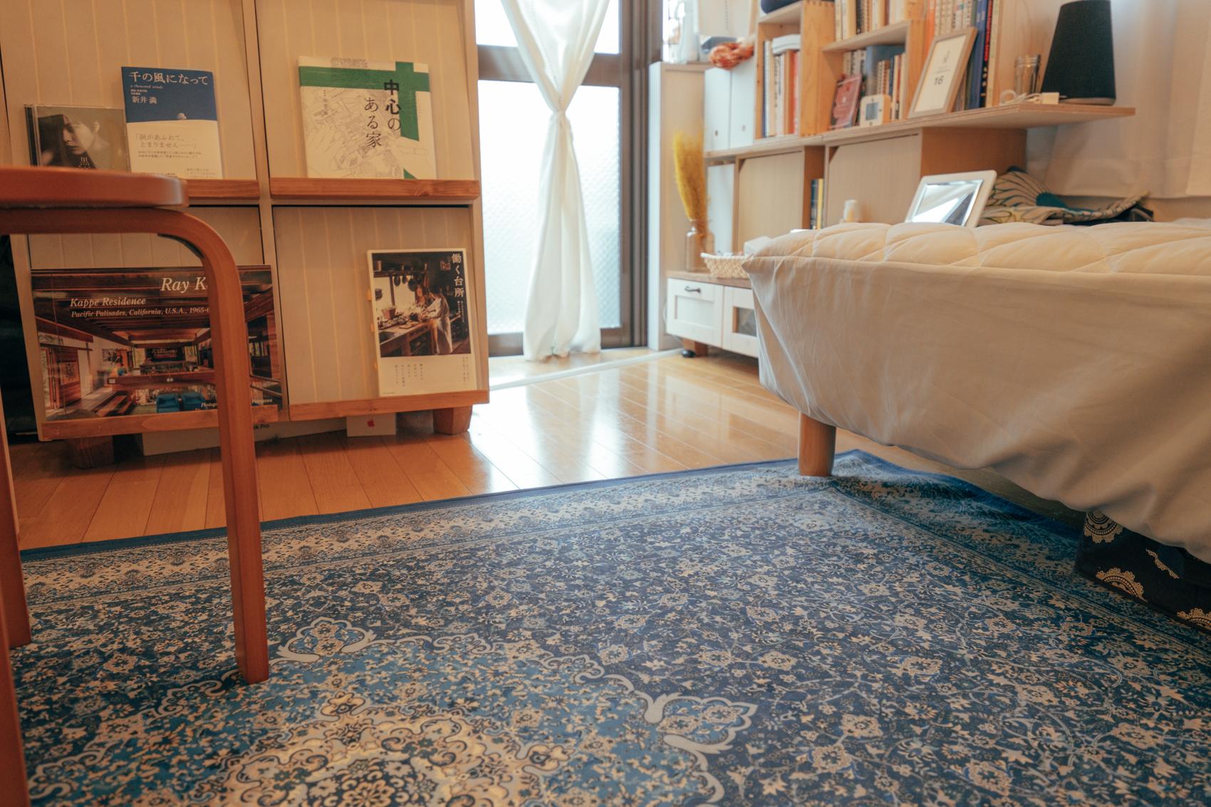 こうしたお部屋での過ごし方の変化は、他のメリットもあったのだとか。 「暮らしの高さを変えることで、床にモノを置くことが減りました。そのおかげで部屋を綺麗に保てるようになりましたね。」