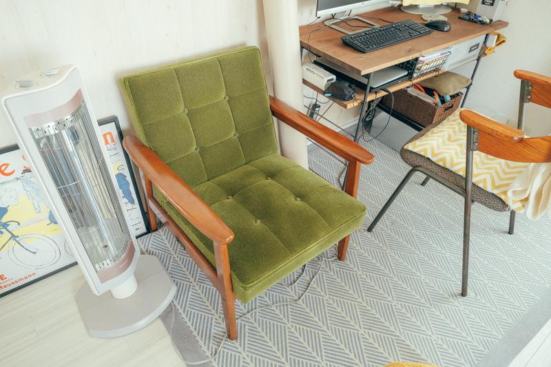 「人のお部屋も見ることになって、自分が知らなかった家具にも関心を持つようになりましたね。 カリモクは初めて見た時にグリーンと茶色の色合いに一目惚れして、お店にも足を運んで実物を見た上で購入しました。」