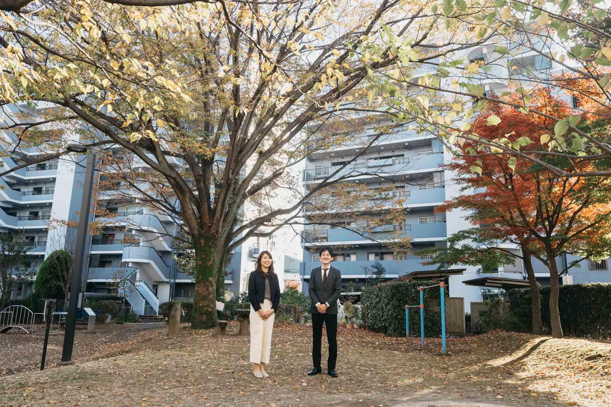 「サンヴァリエ桜堤」を紹介してくださるのは、UR都市機構の山内さんと濱田さん。(写真左から)