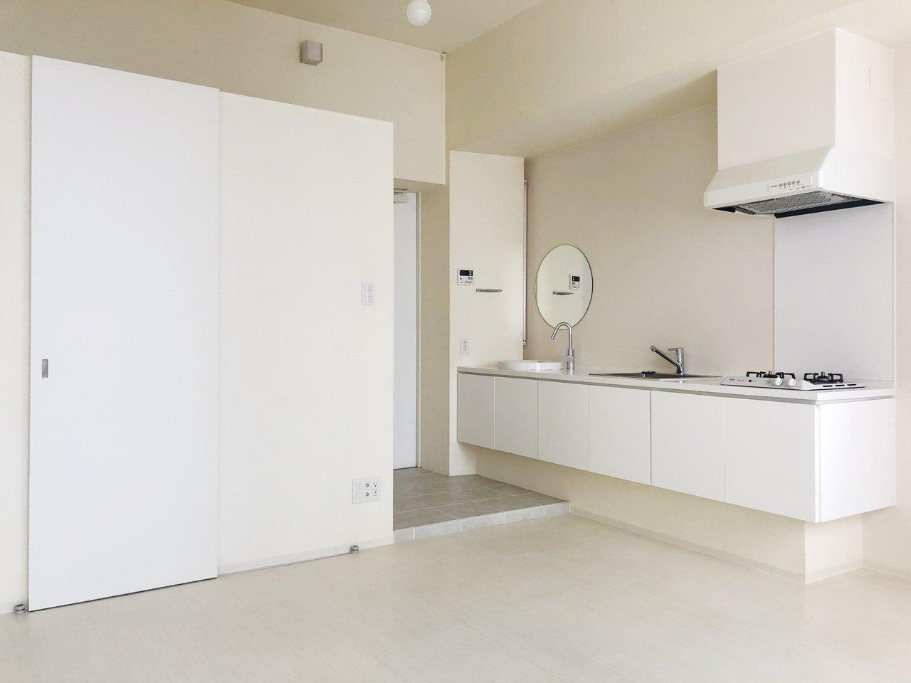 真っ白な空間が気持ち良いデザイナーズのお部屋