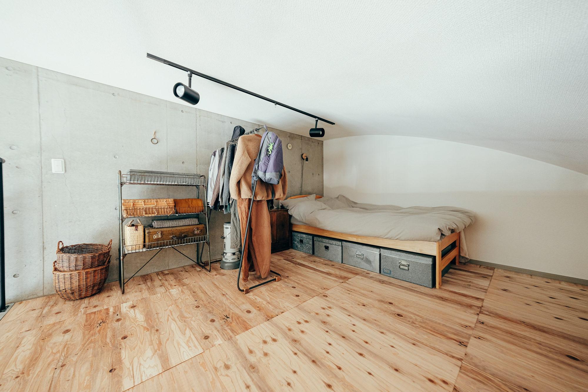2階のロフト部分を寝室に。