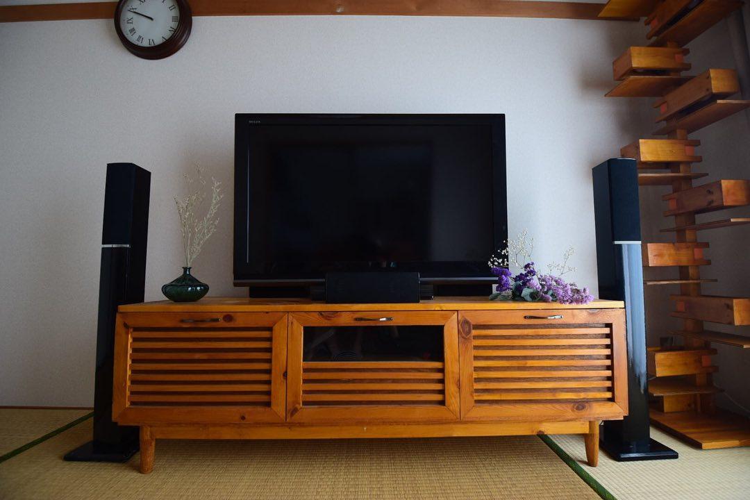 DIYを始められた初期に、まず作ったのがこちらのテレビボードだそう。