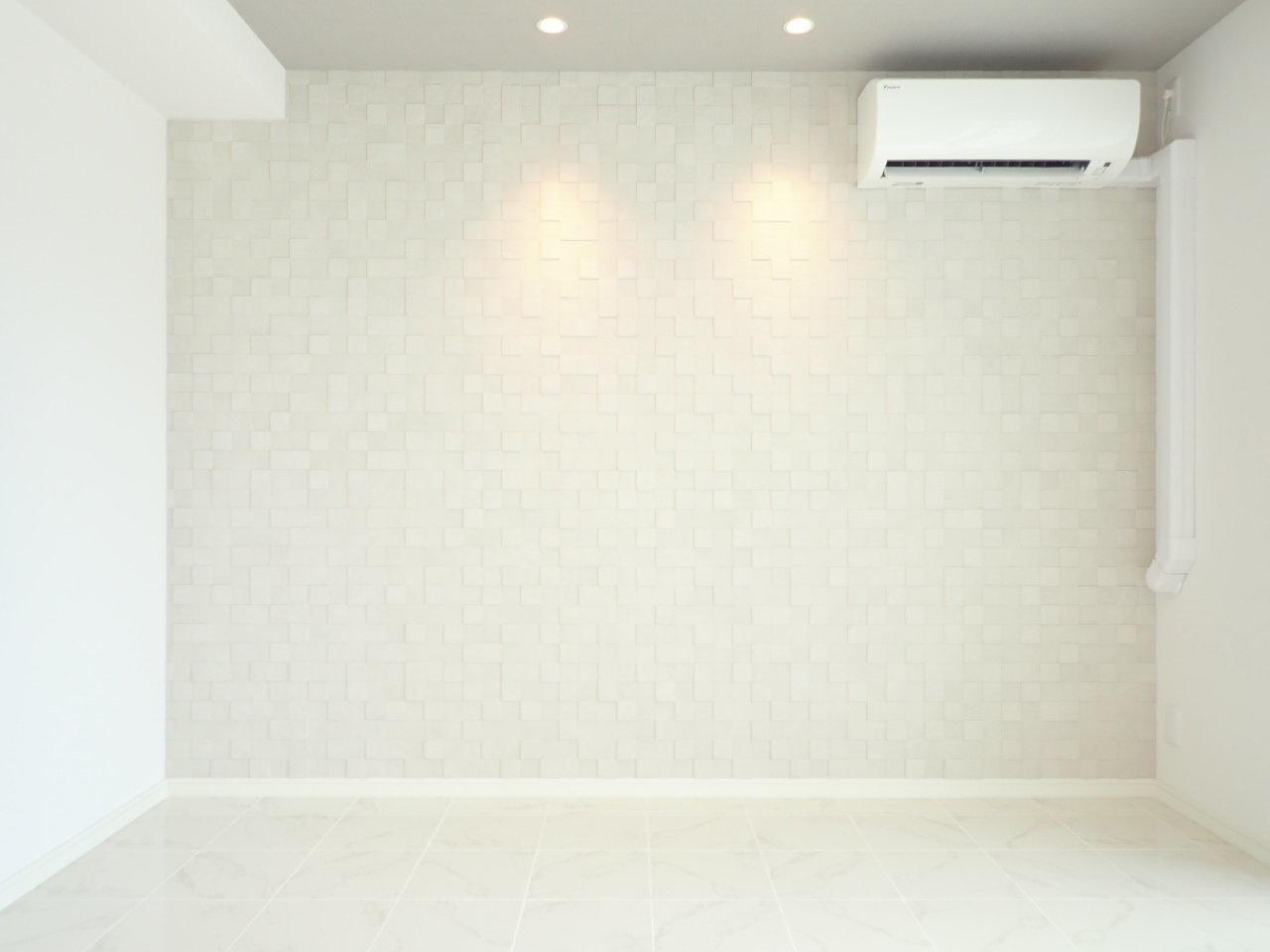 大阪梅田駅から徒歩7分。7.3畳でシンプルな間取りの1Kタイプの築浅物件です。