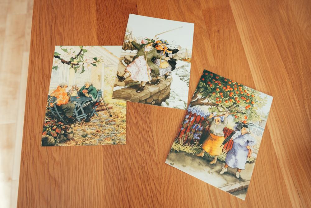 お気に入りの1つと話されていたポストカードは、フィンランドで購入されたもの。愉快なおばあちゃんのイラストに愛着が沸きますね。