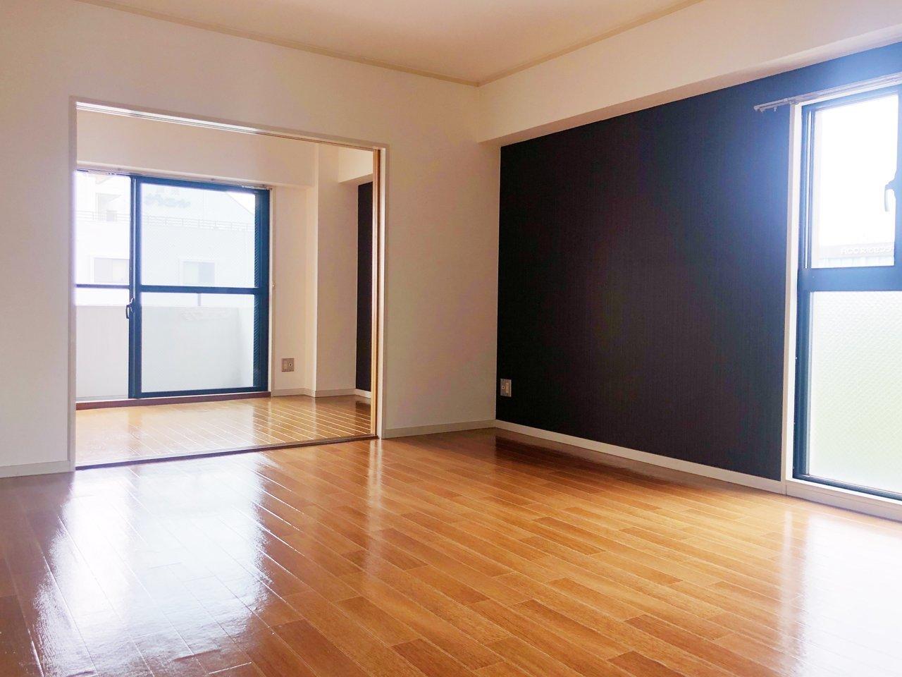 12畳のLDKは窓もあって明るく、いろんな家具配置が楽しめそうです。
