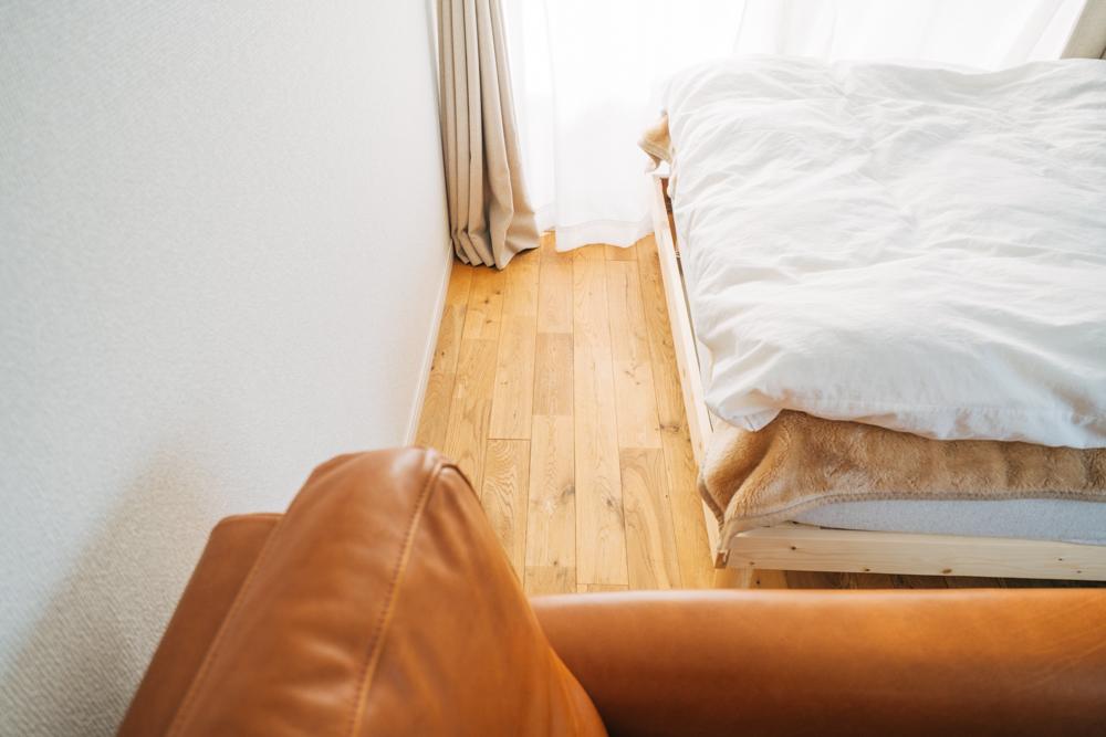 床は丈夫で湿気にも強い、栗の無垢床を使用。手触りもよく。色合いも暖かみがあって良かったそう。