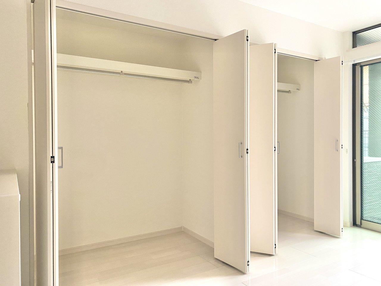 大きなクローゼットが2つもあって、大容量!これなら部屋がごちゃごちゃせず、ホテルライクに暮らせそうですね。