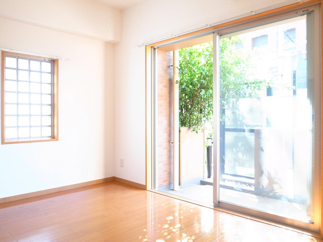 光と風を呼びこむ暮らし。日当たりのいい、大阪のお部屋まとめ
