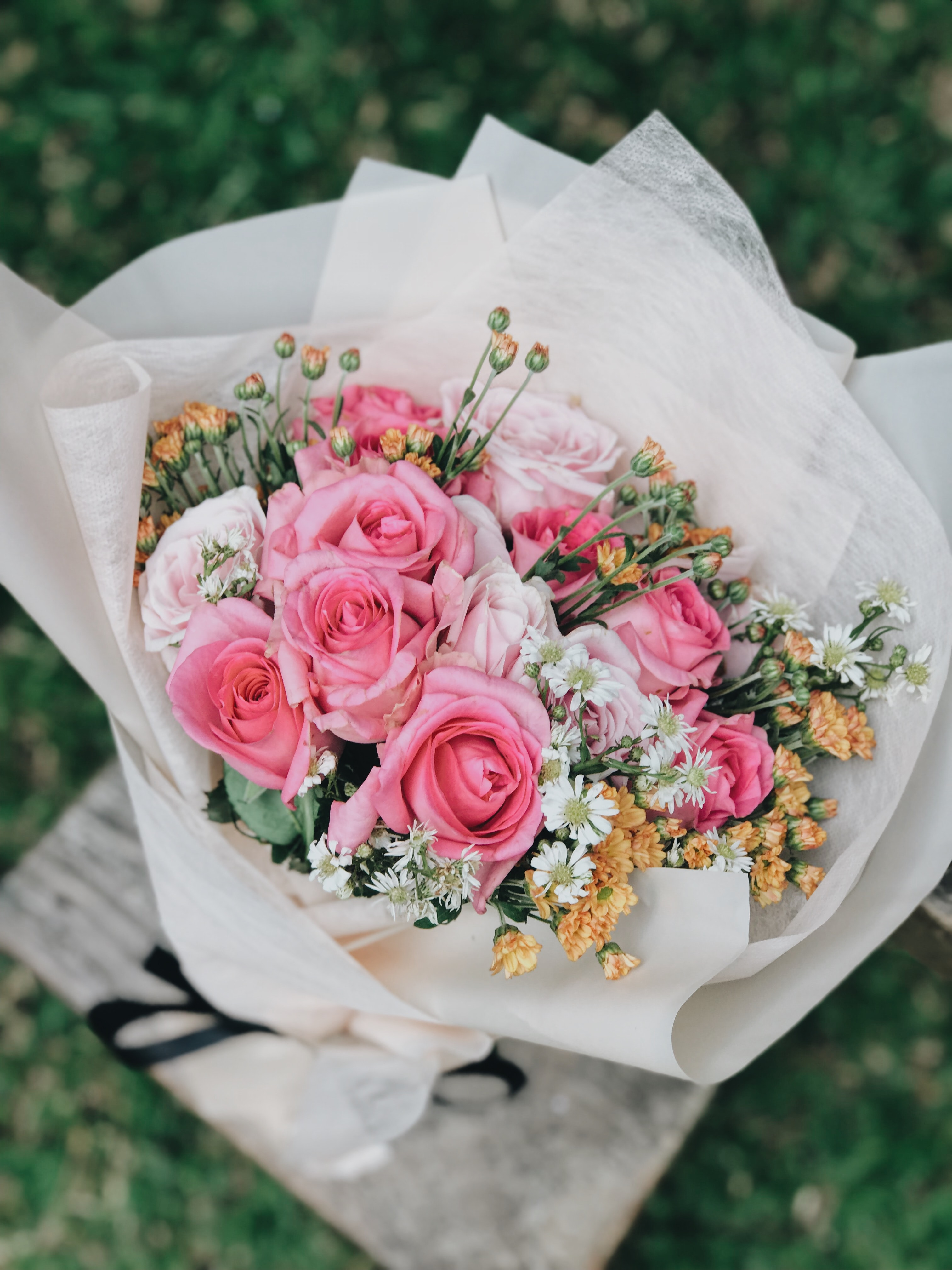 花屋さんではそれぞれのテイストにあった品種を取り扱われているはずなので、是非花屋さんに出向いて、イメージに合わせて選んでみてください。