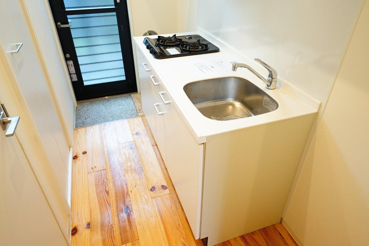 玄関横にあるキッチンは2口コンロでお料理もはかどりそう。