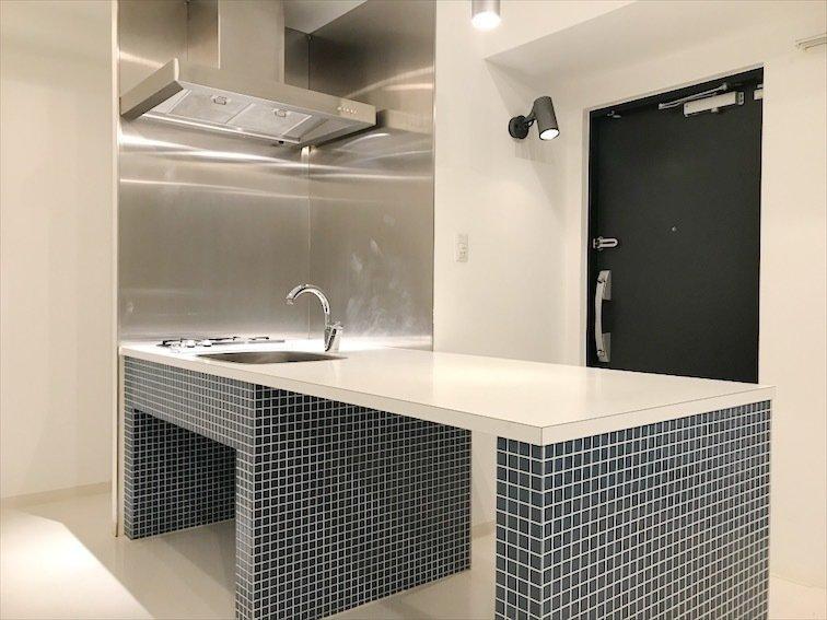 キッチンはカウンター部分が広いのでダイニングテーブルにできます。