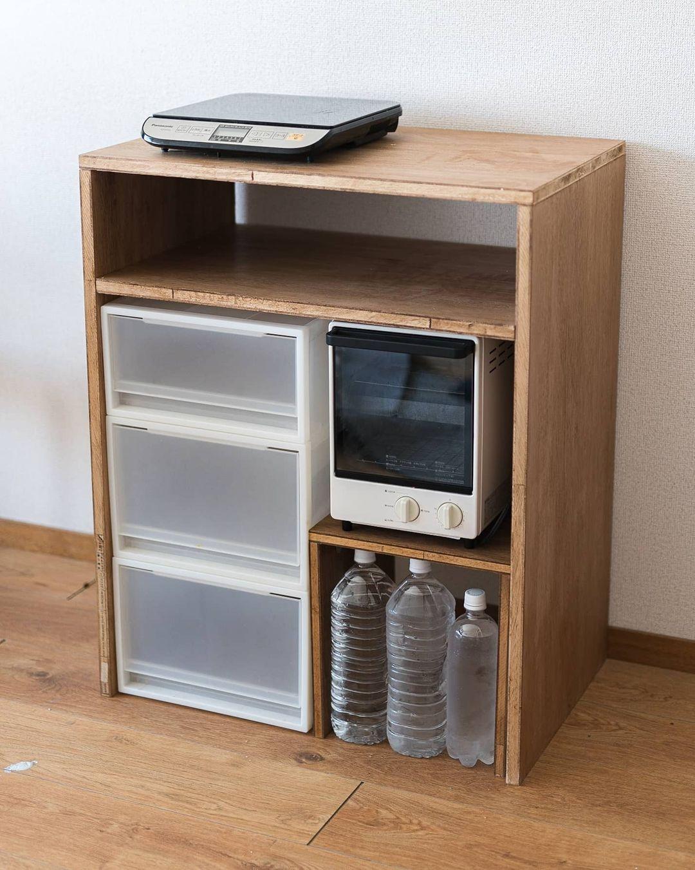 今は、キッチンのDIYを進めている最中。こちらは、手持ちのアイテムがピッタリ収まるように設計された収納棚。