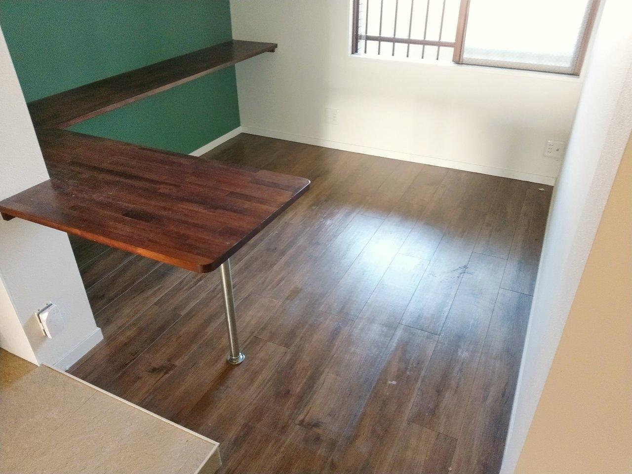 さらにその隣に、ひろーい納戸スペース。普段は使わないキッチン家電や、食材のストックも捗ります。
