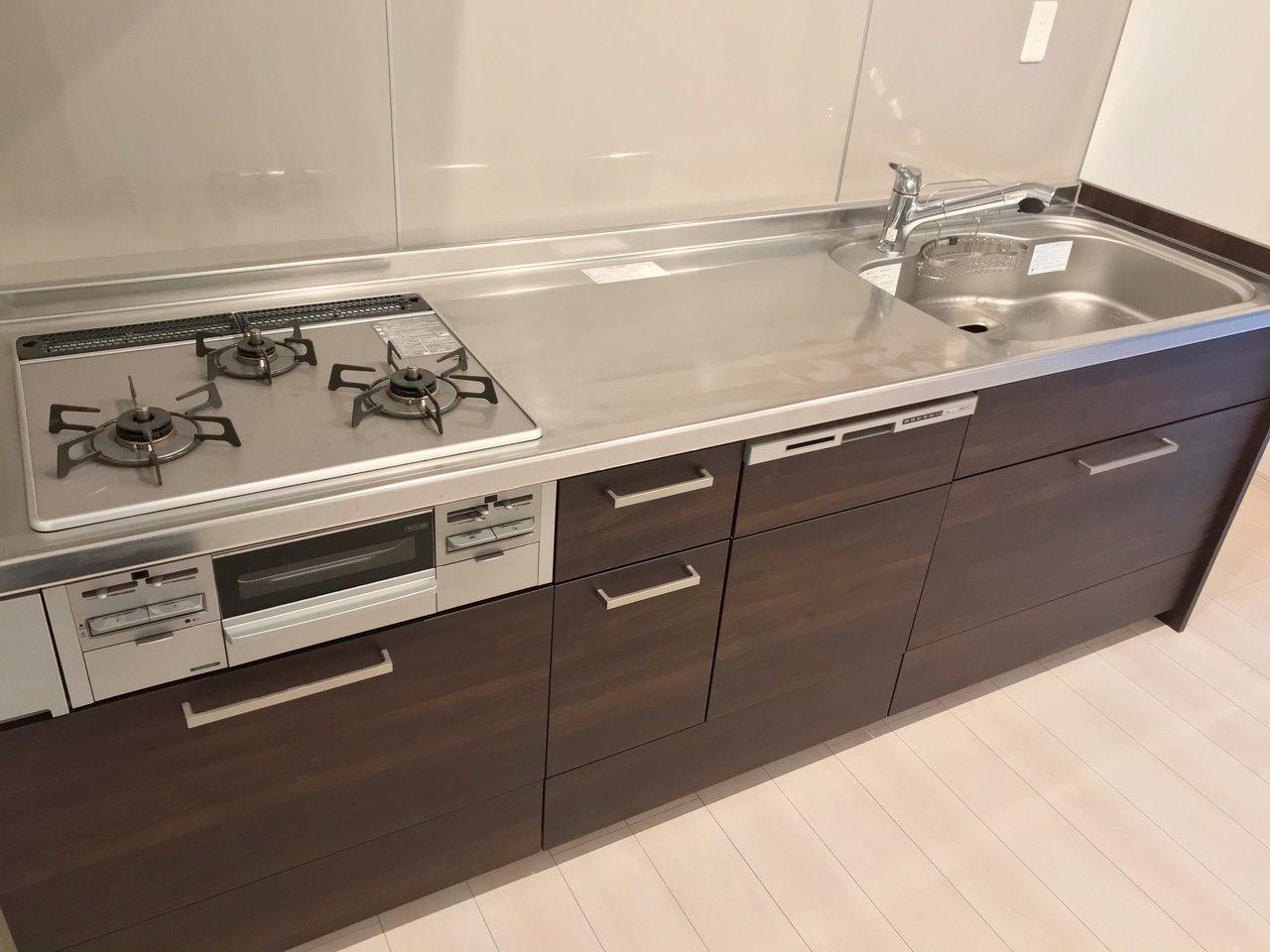 キッチンやお風呂なども、ゆったりめの新しいものに変えられています。