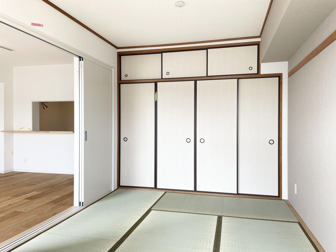 そのお隣に、引き戸で仕切った6畳の部屋。あえて和室を選び、ゴロゴロ寛いで過ごしたいという方も多いです。