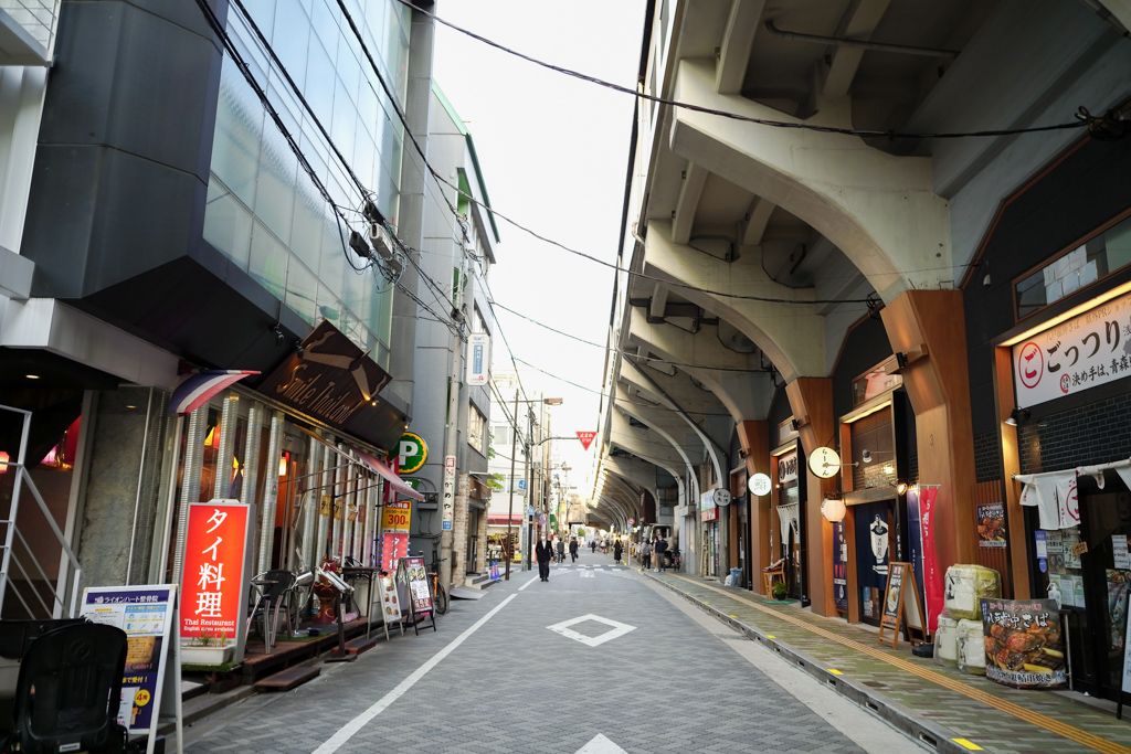JR浅草橋駅周辺には、飲食店などが豊富にあります