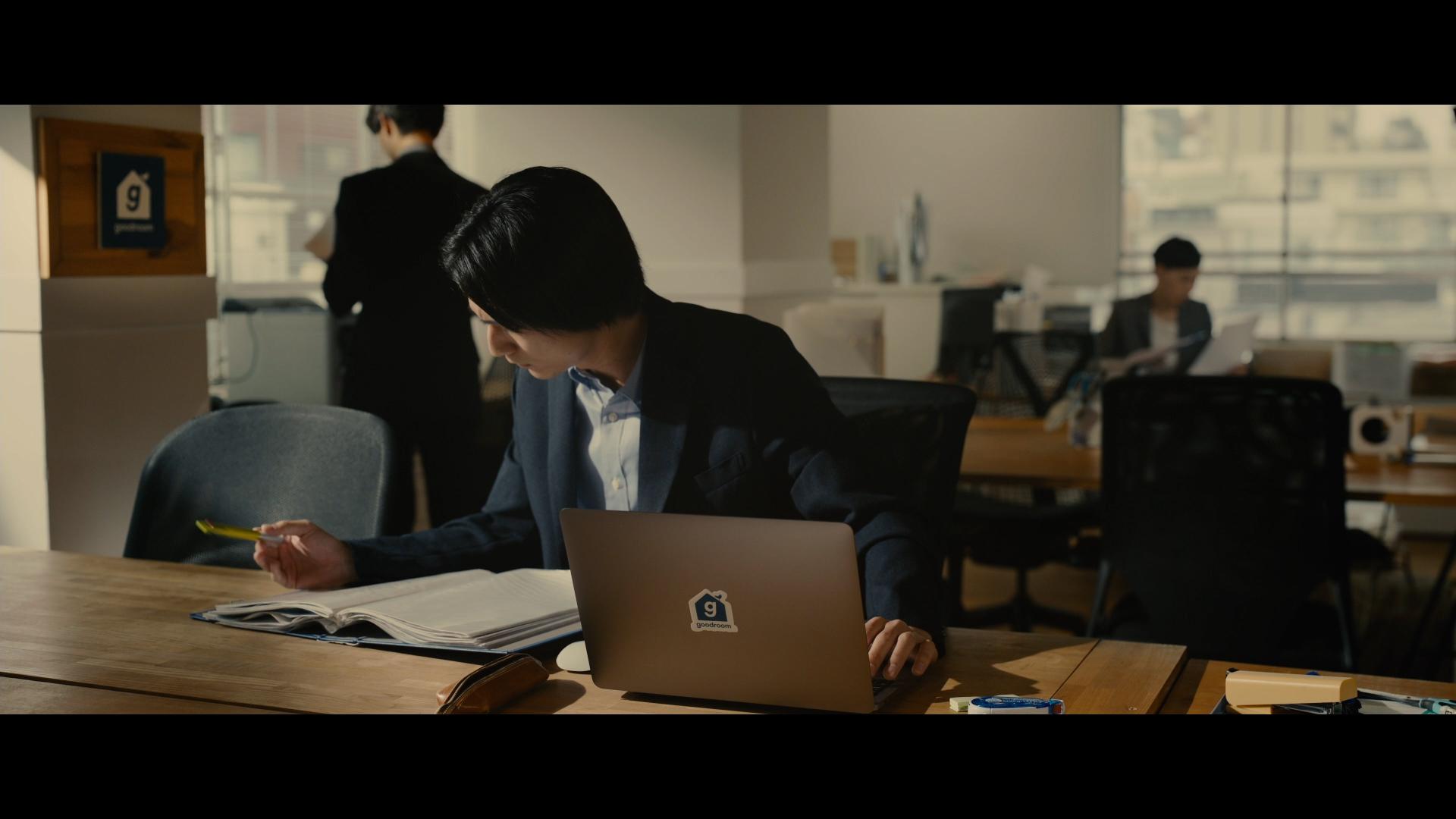 偶然にも、スバルの勤務先は不動産会社という設定。グッドルームの品川事務所にて撮影が行われました。