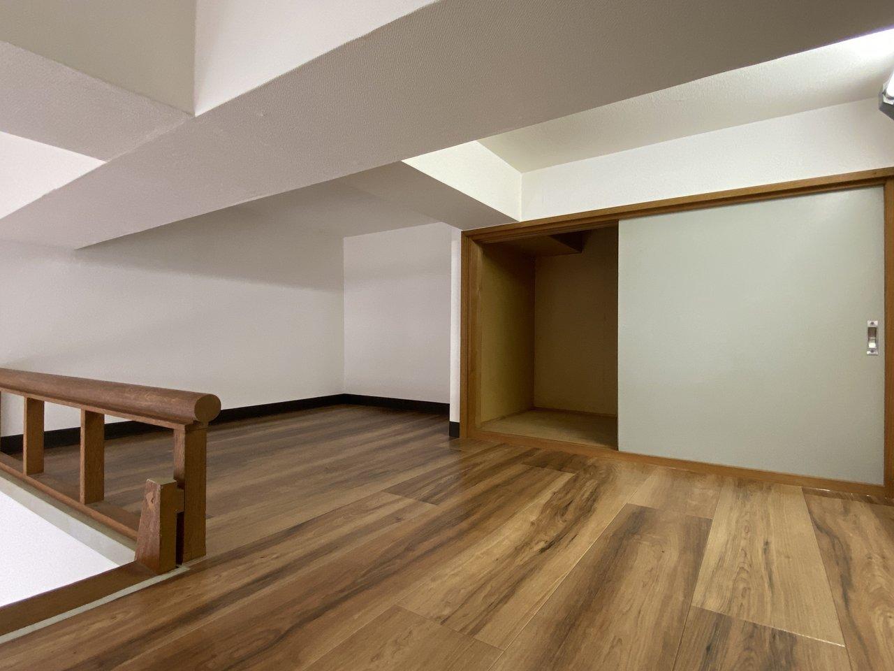 3畳分の広さがあるロフト。モノ置きスペースもしっかり備わっています。