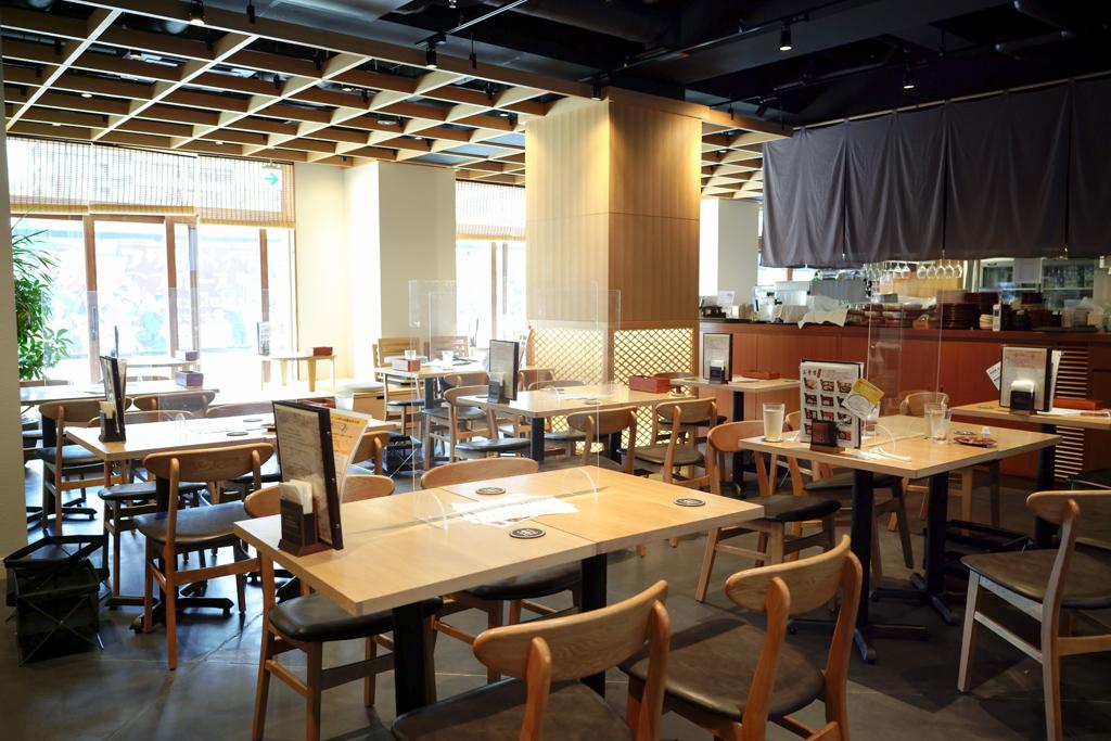 特徴的なのは、ホテルの中の飲食店であるにもかかわらず、川崎の一つの飲食店としても機能していること。メニューの豊富さがウリで、手を変え品を変え、毎日来ても飽きないメニュー作りを工夫されているのだそう。そのため、平日のランチタイムは満席になることも。