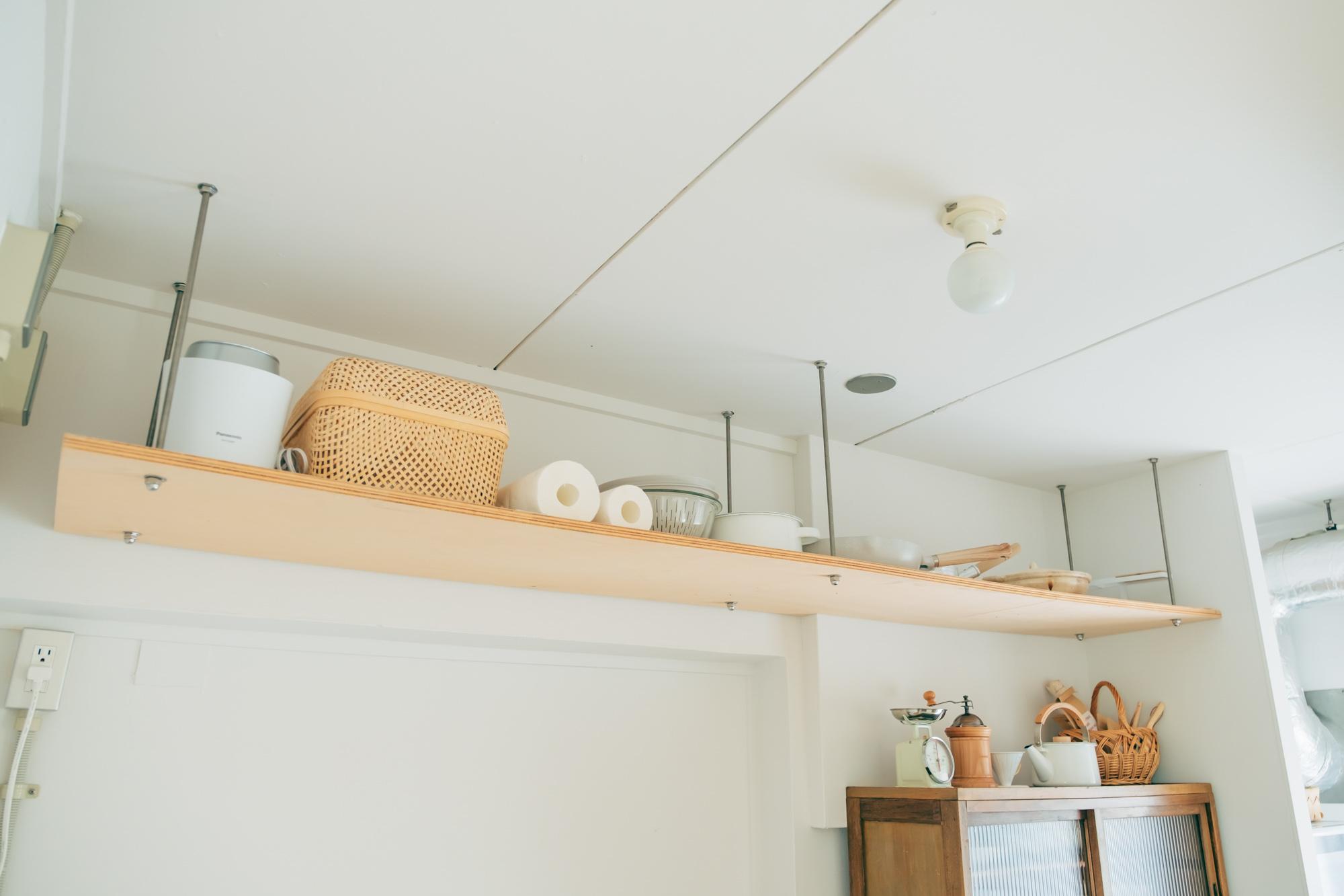 上部の「小天井」も収納としてうまく活用していらっしゃいます。