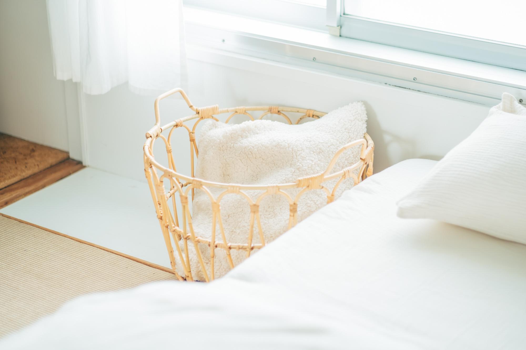 家具だけでなく、お部屋の随所に置かれた小物も、木や自然の素材を使ったものが多いです。