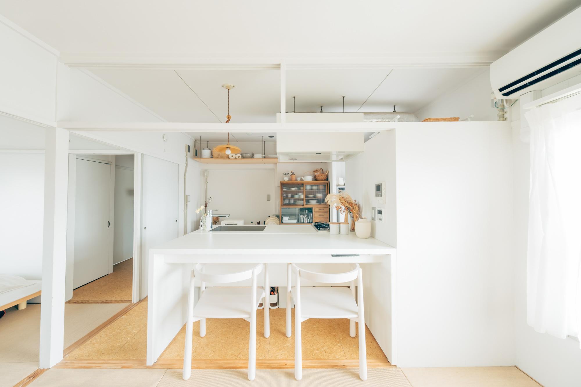 お部屋の決め手になったのは、MUJI×URのお部屋ならではの、この真っ白な対面キッチン。
