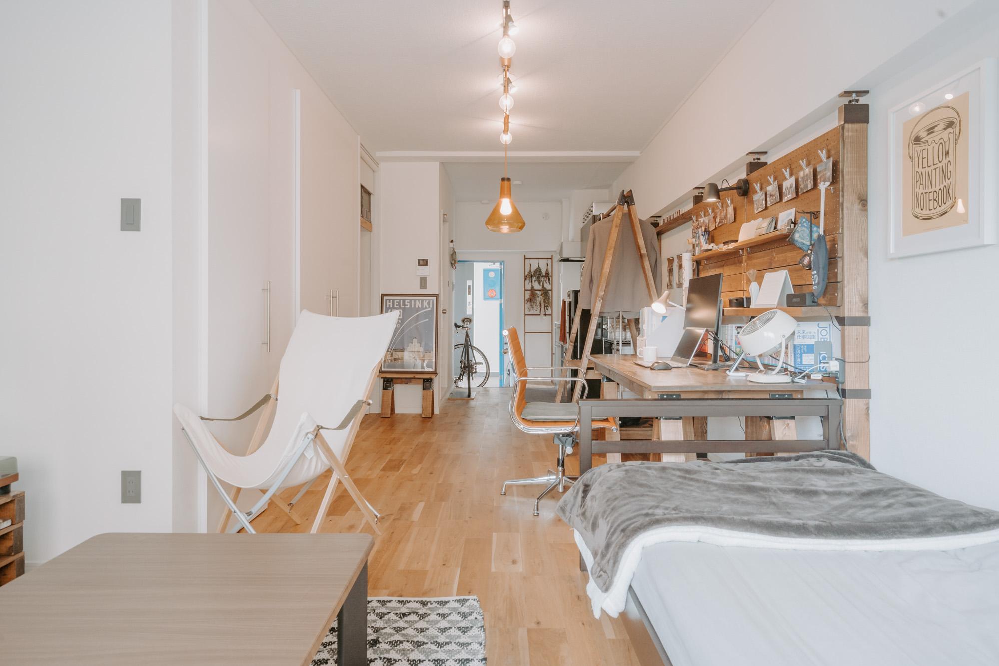 スノーピークの「Take!チェアロング」は買ってよかった家具のひとつ。「ベランダに出したりして使っています」