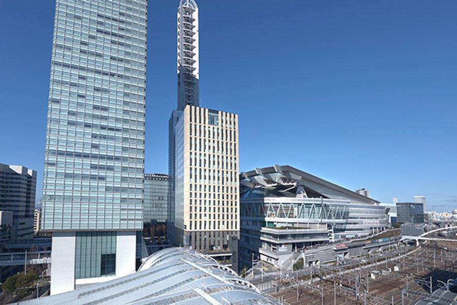 さいたま新都心駅から徒歩1分!埼玉スーパーアリーナなどの人が多く集まる施設が周辺にあるため、ホテル周辺の環境は便利そのもの。スーパーやコンビニ、レンタサイクル、などが揃っています。