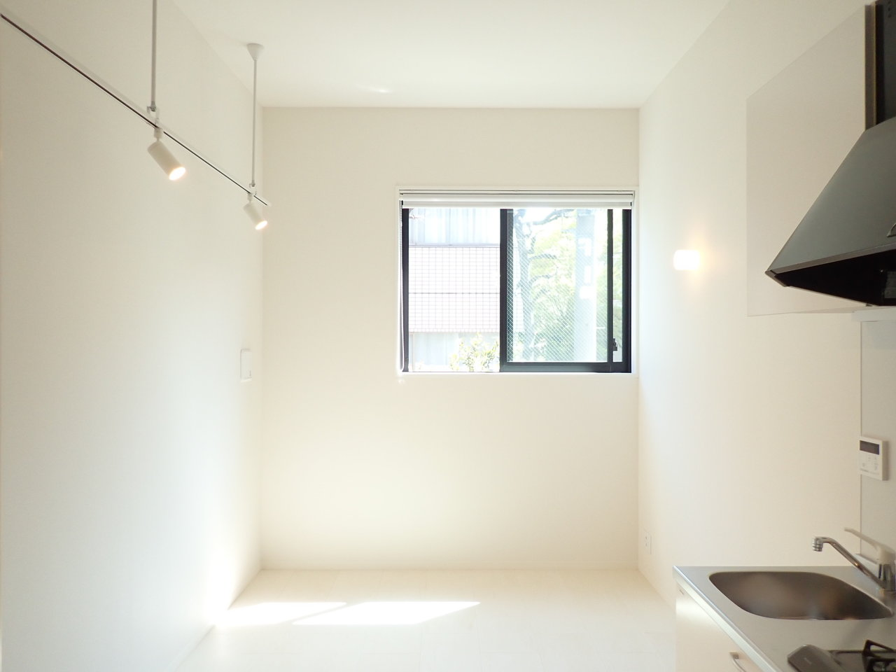 天井が高めなので、ワンルームでも開放感があるんですね。