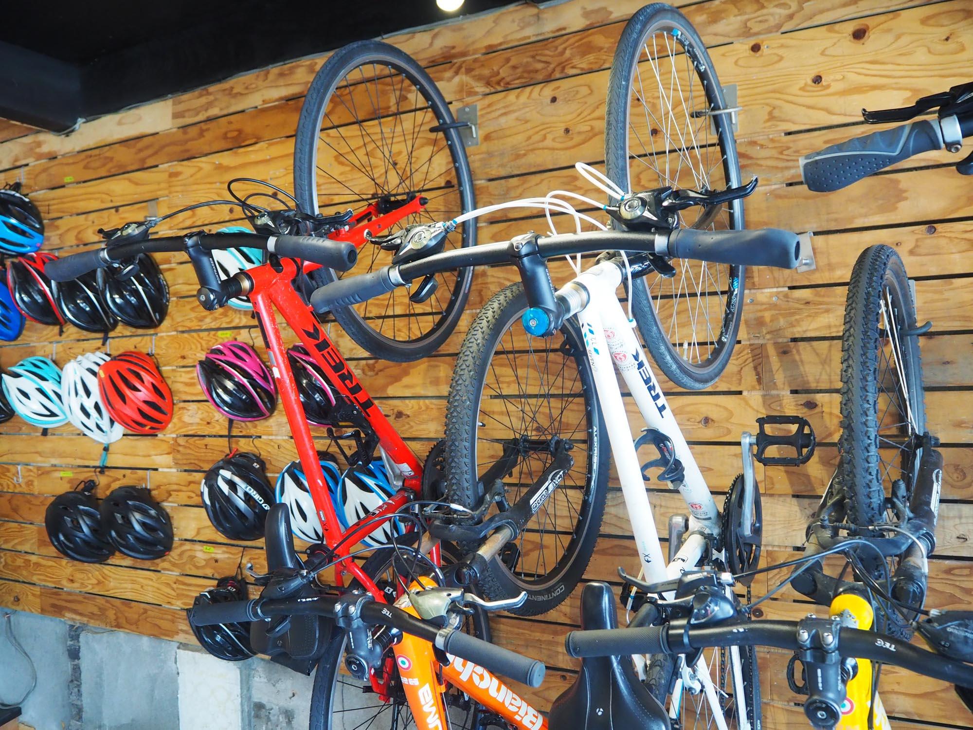 いわゆるママチャリではなく、クロスバイク、マウンテンバイク、ロードバイク、キッズバイクなどから選べます。
