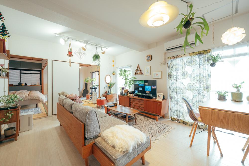hitomiさんがお住まいなのは和室が2部屋ある3DK。最初は和室のあるお部屋にあまり乗り気ではなかったというhitomiさんですが、今はそれぞれベッドルーム、書斎として使いこなしていらっしゃいます。