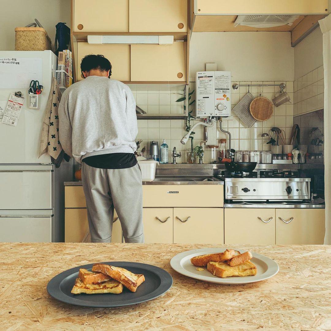 窓からの光を感じながら料理をしたり、食事をしたりできるのがいいですね。
