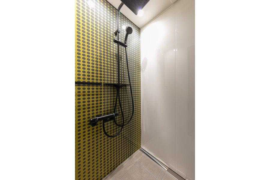室内だけでなく、シャワールームもデザイン性が高くて驚きました。