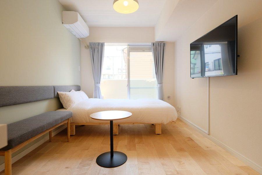 TOMOSマンスリー要町の一室。無垢床の心地よさが魅力です!