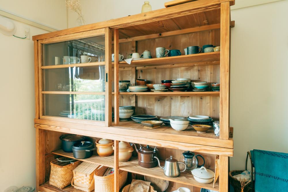 好きでたくさん集められている器を「ちゃんと飾れるものを」と選ばれました。「可愛いのでずっと眺めちゃう」というお気に入りの棚です。