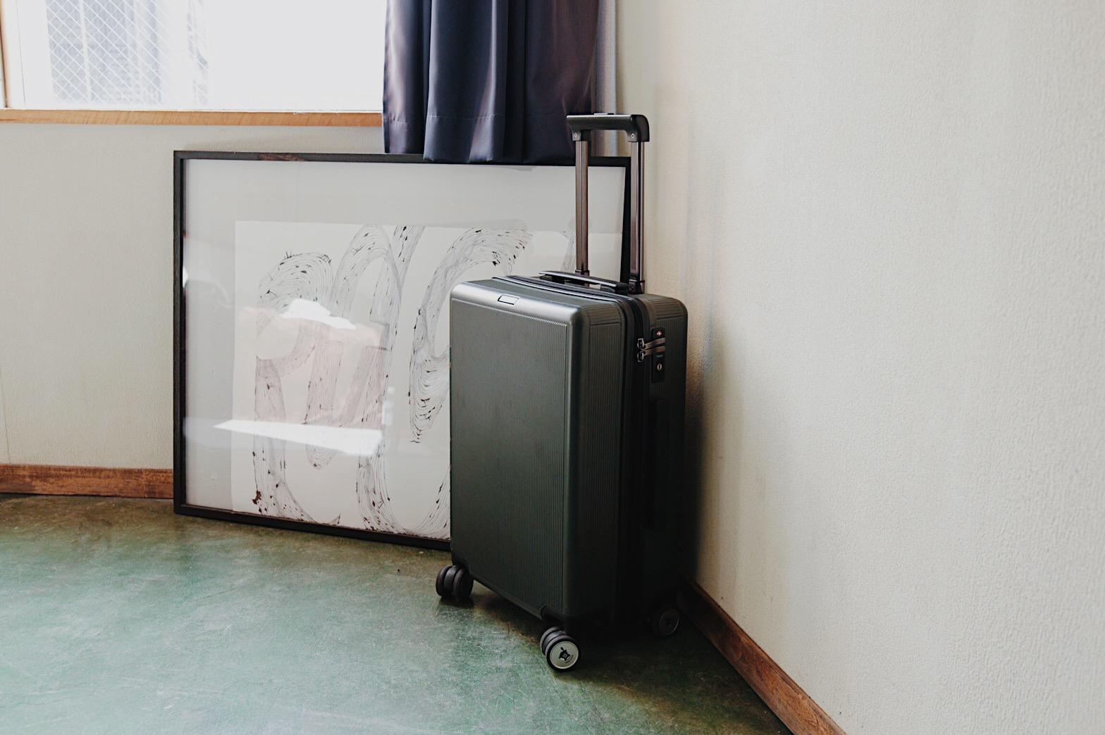 ホテル暮らし、どのくらいの「荷物」で生活していますか?経験者の生の声を聞いてみました